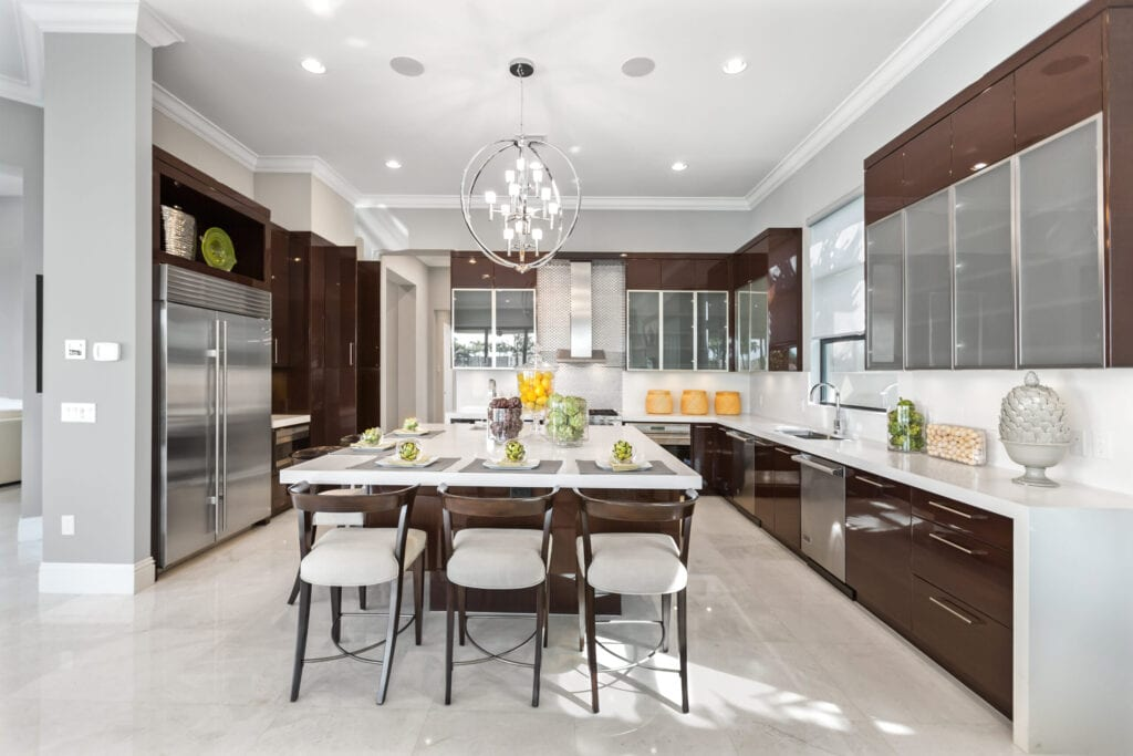 Beautiful Modern kitchen with a counter height island