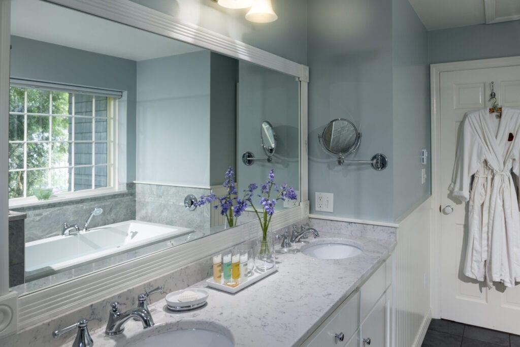 Luxury bath, Inn at Sunrise Point, Camden, Maine, USA