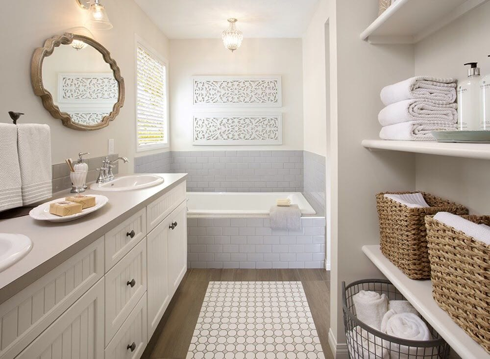 Luxury guest bathroom with extra shelves and towels